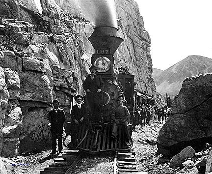 "Denver, South Park and Pacific railroad, Alpine tunnel, the ""Palisaide"", Engine #197"
